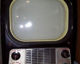 Small vintage GE television