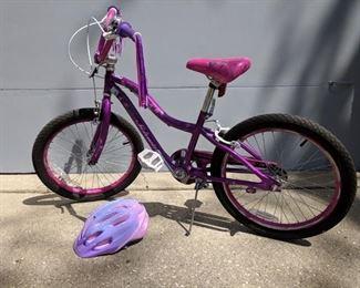 Kids bike.  Those streamers tho.