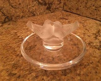 """Lalique"" love birds ring/pin crystal tray"