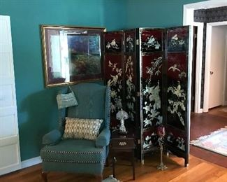 BEAUTIFUL ORIENTAL  ROOM DIVIDER WITH MOTHER OF PEARL INLAY