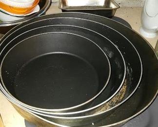 Kitchen Misc Pots & Pans