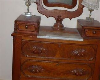 WALNUT CHEST WITH MIRROR AND FRUIT PULLSVERY NICE CONDITION