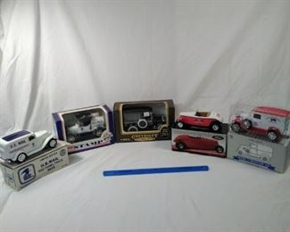 lot of 5 collectible diecast collector Banks and US stamp dispenser        https://ctbids.com/#!/description/share/152112