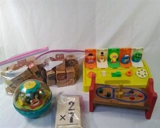lot of vintage and retro toys, blocks and flashcards https://ctbids.com/#!/description/share/152116