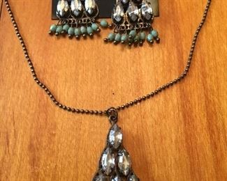 Beautiful Vintage Earring and Necklace Set