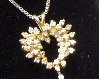14kt y gold Diamonds Heart pendant necklace
