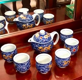 Sweet tea set looks Japanese