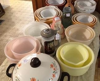 Vintage Hamilton Beach, Sunbeam, Fireking & Pyrex mixer bowls and nesting bowl sets!  Just look at those colors!! :)