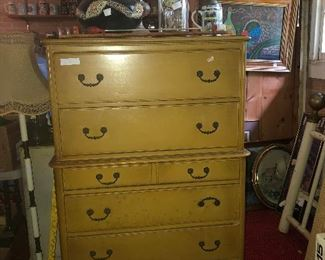 Nice 6 drawer chest!