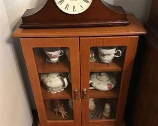 Small Display Cabinet /Mantel Clock