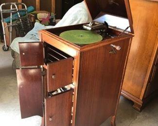 Victrola Victor Phonograph 1912