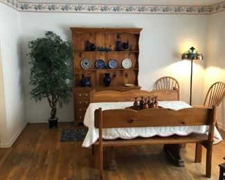 Amish Dining Room Set. Table has two leaf extensions