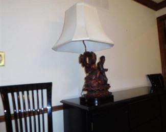 oriental  figure  lamp