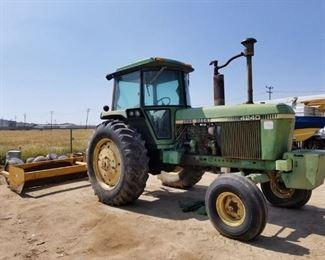 John Deere 4240 Tractor