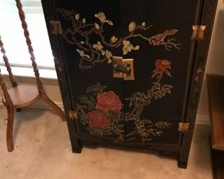 Oriental Chest.  We need the key to this lock