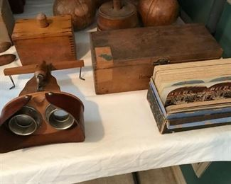 Old Stereo viewer and pictures