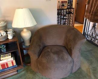 Natuzzi Swivel Chairs