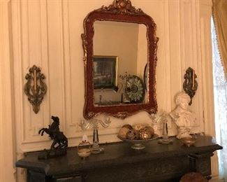 Gorgeous mirror and other decor