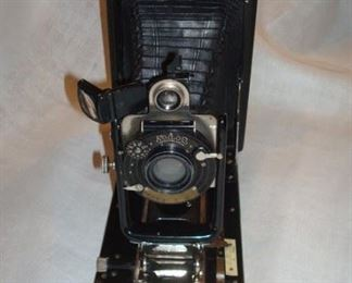 Koilos plate camera with 3 plates.