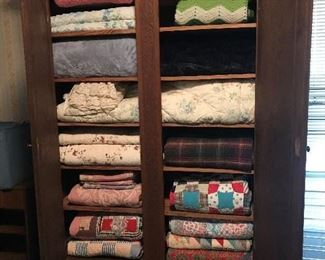 Quilts andBlankets