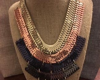 Chicos High-End Fashion Necklace