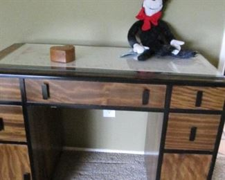 Beautiful grained wood vintage desk - refinished.