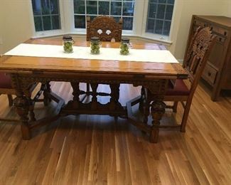 Expandable Dining Room table and chairs
