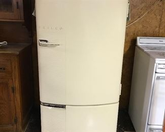 Vintage 1946 Philco working refrigerator