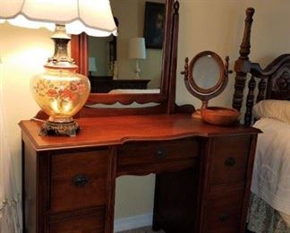Another pretty vanity & mirror.  Lamp not available.