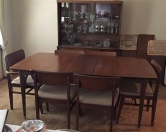 Blowing Rock Dining Set. Table has 3 leaves and pads. China cabinet has sliding glass doors! Excellent condition!