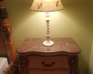 Matching pr nightstands