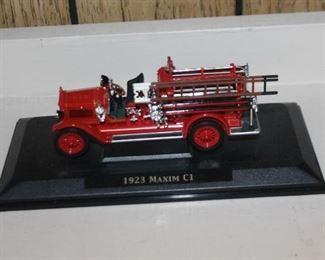 1923 Maxim CT Diecast Firetruck