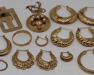 JEWELRY Ladies Gold Jewelry Grouping