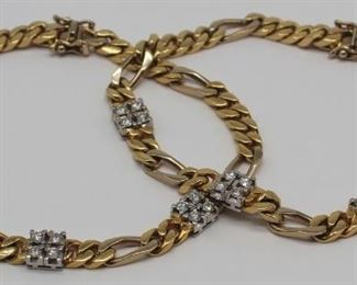 JEWELRY Pair of kt Gold and Diamond Bracelets