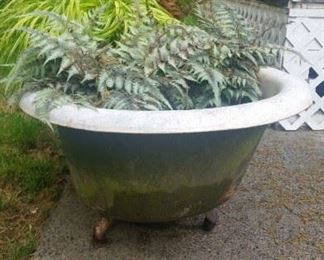 Cast iron tub with feet...