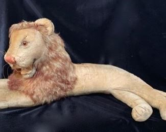 Steiff Lion Store Display