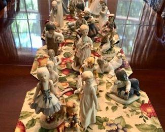Lladros, Hummels, Nao & vintage porcelain figurines