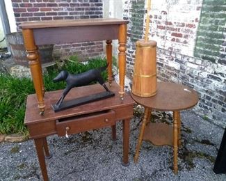 COUNTRY TABLES-CHURN