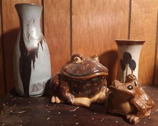 Vintage ceramic toads