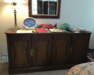 Mid Century Henredon dresser/sideboard