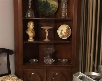 Corner cabinet with Cambridge statuesque crown Tuscan tall compote