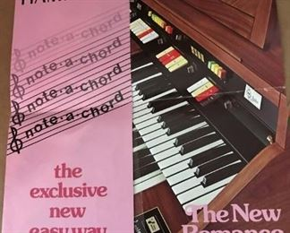 HAMMOND ORGAN..New Romance Series 126 w/ Sound Simulator, Animation by Leslie,Note-a-Chord...Model 12672...120 Volts, 60 Hertz