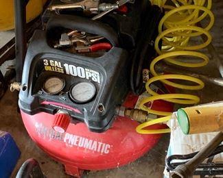 3 gallon 100 psi portable compressor