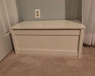 Chest / Trunk / Cabinet / Storage Box
