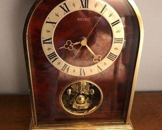 """Seiko """"Atmos"""" Style Clock"""