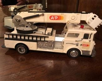 A & P Bucket / Fire Rescue Toy Truck
