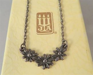 Vintage James Avery Sterling Silver Daisy Necklace