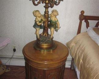 Thomasville Bedroom Suite Pair Figural Lighting