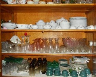 LOTS of vintage glassware