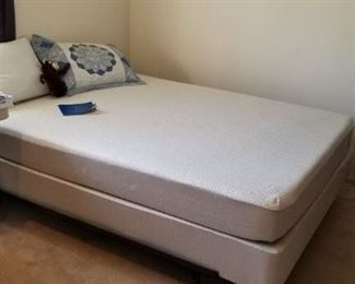 Queen Sleep Number Bed less year old 800.00
